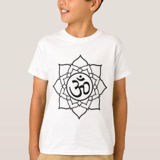 Camiseta Flor de Lotus, preta com fundo branco