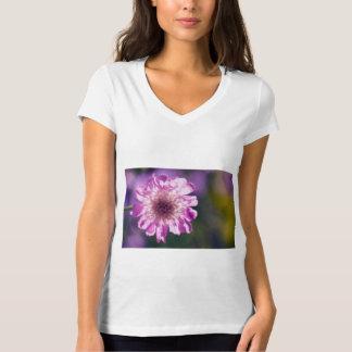 Camiseta Flor de Scabiosa da lavanda