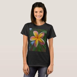 Camiseta Flor do Plumeria de Havaí