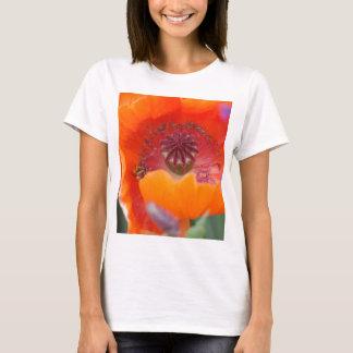 Camiseta Flor no vermelho