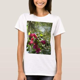 Camiseta Flores e palmeira