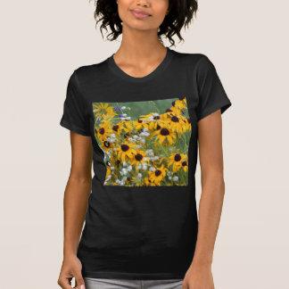 Camiseta Flores susan de olhos pretos