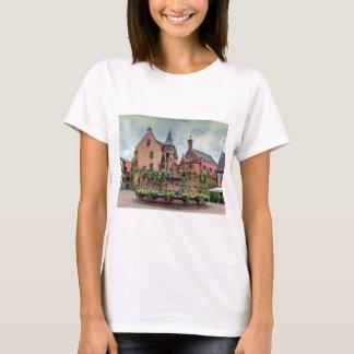 Camiseta Fonte de Santo-Leon em Eguisheim, Alsácia, France