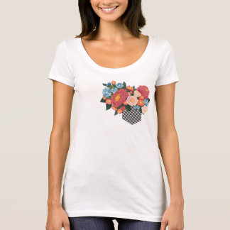 Camiseta Fora da caixa (design floral)