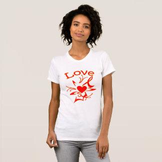 Camiseta Forma do coração com amor