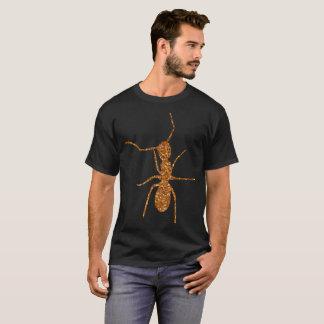 Camiseta formiga do brilho do ouro no preto