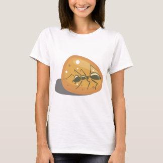 Camiseta Formiga no âmbar