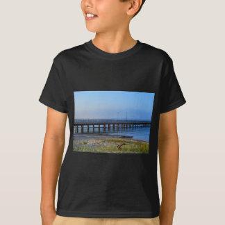 Camiseta Foto do cais no por do sol com âncora