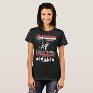 Camiseta Foxhound inglês através do t-shirt da neve