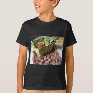 Camiseta Frutas do outono com avelã e os figos secados