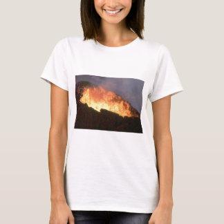 Camiseta fulgor do fogo vulcânico
