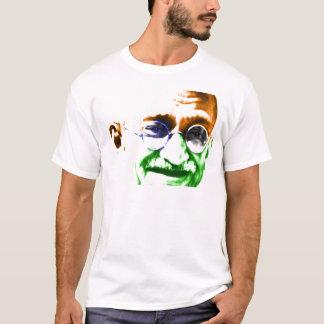 Camiseta Gandhi na bandeira indiana subtil
