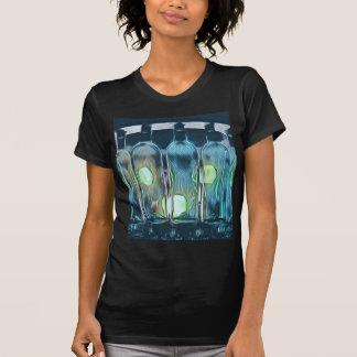 Camiseta Garrafas de vinho artísticas chiques elegantes