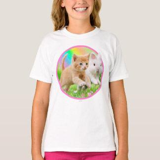 Camiseta Gatinho & coelho com arco-íris