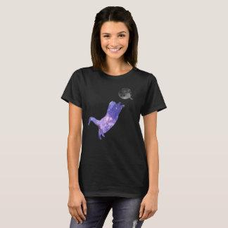 Camiseta Gato 2 da galáxia que ataca uma bola da lua do fio