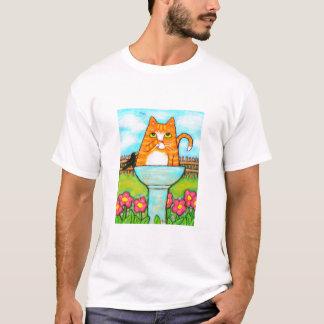 Camiseta Gato de gato malhado no Birdbath