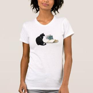 Camiseta Gato e t-shirt do design dos livros