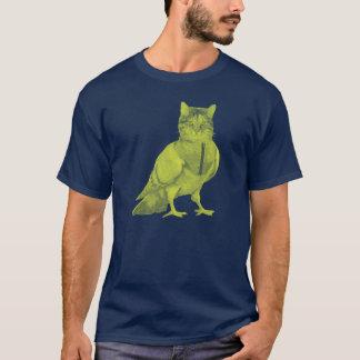 Camiseta Gato engraçado que veste um pombo que faz o design