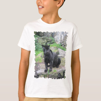 Camiseta Gato preto grande de Jaguar no assento na rocha