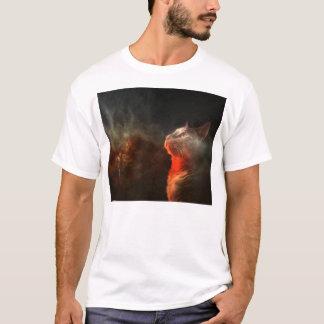 Camiseta gato que olha fixamente no abismo do espaço