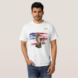 Camiseta German shepherd de Just4GSD que guarda a bandeira