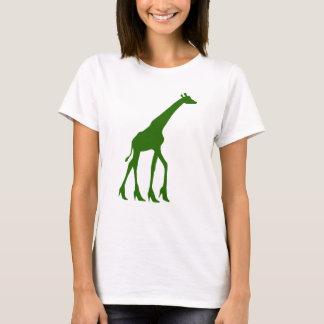 Camiseta Girafa nos saltos altos