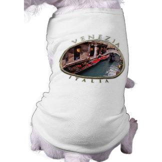 Camiseta Gôndola em um canal Venetian
