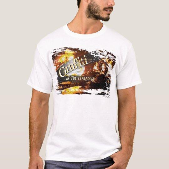 Camiseta Grafitando com Arte e Estilo