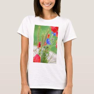 Camiseta Grupo de papoilas, de cornflowers e das orelhas