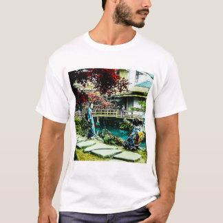Camiseta Gueixa do vintage na árvore de bordo da casa de