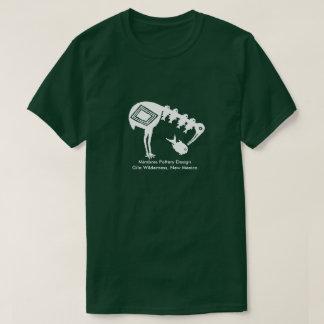 Camiseta Guindaste que come peixes - design da cerâmica de