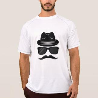 Camiseta Hipster legal com bigode, chapéu e óculos de sol