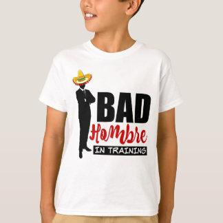 Camiseta Hombre mau no treinamento e no Sombrero