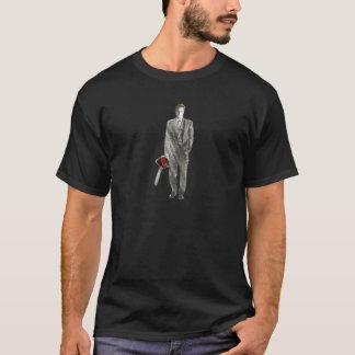 Camiseta Homem de negócios com serra de cadeia