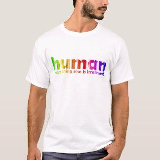 Camiseta Humano - tudo mais é irrelevante