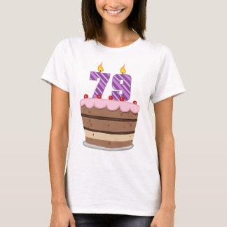 Camiseta Idade 79 no bolo de aniversário