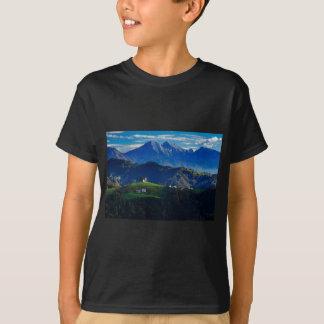 Camiseta Igreja do santo Thomas nas colinas de Skofja Loka