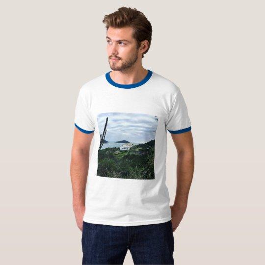 Camiseta imagem do pontal do atalaia em arraial do cabo