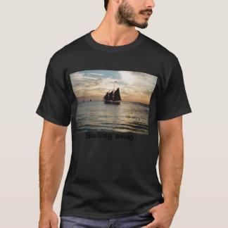Camiseta IMG0, navegando afastado