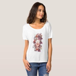 Camiseta Impressão com os rosas no estilo bonito do vintage