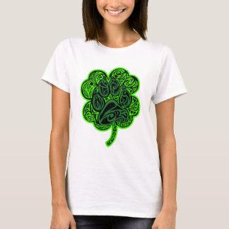 Camiseta Impressão da pata do trevo de quatro folhas