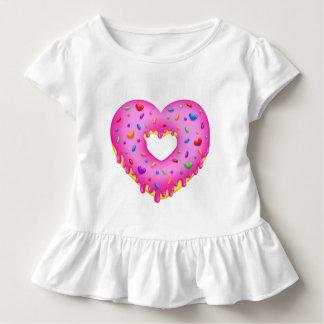 Camiseta Infantil A rosquinha cor-de-rosa do coração com arco-íris
