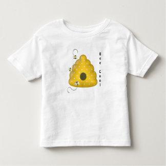 Camiseta Infantil Abelha legal com colmeia da abelha