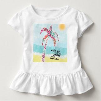 Camiseta Infantil acorde e cheire a inspiração, a praia e a palma