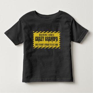 Camiseta Infantil Advertindo eu tenho um vovô louco