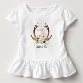 Camiseta Infantil Antler e flor selvagens e livres dos cervos da