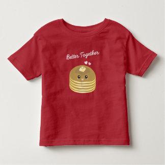 Camiseta Infantil As panquecas bonitos da manteiga melhoram junto