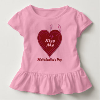Camiseta Infantil Beije-me que é dia dos namorados