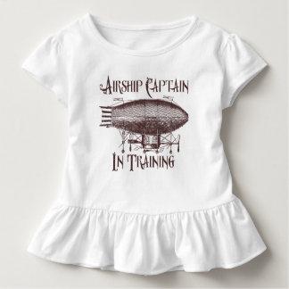 Camiseta Infantil Capitão do dirigível no treinamento, Steampunk