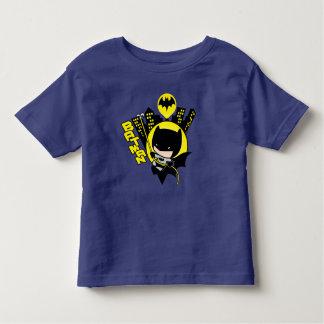 Camiseta Infantil Chibi Batman que escala a cidade